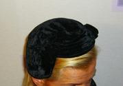 Продаются антикварные бархатные, и не только,  шапочки. Антиквариат.