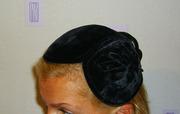 Продаются оригинальные бархатные головные уборы 1950- годов.